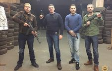 King of Shooting: friends visit